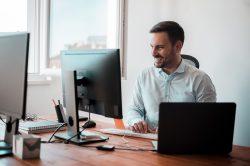 Computador para empresa: quais são as características mais importantes?