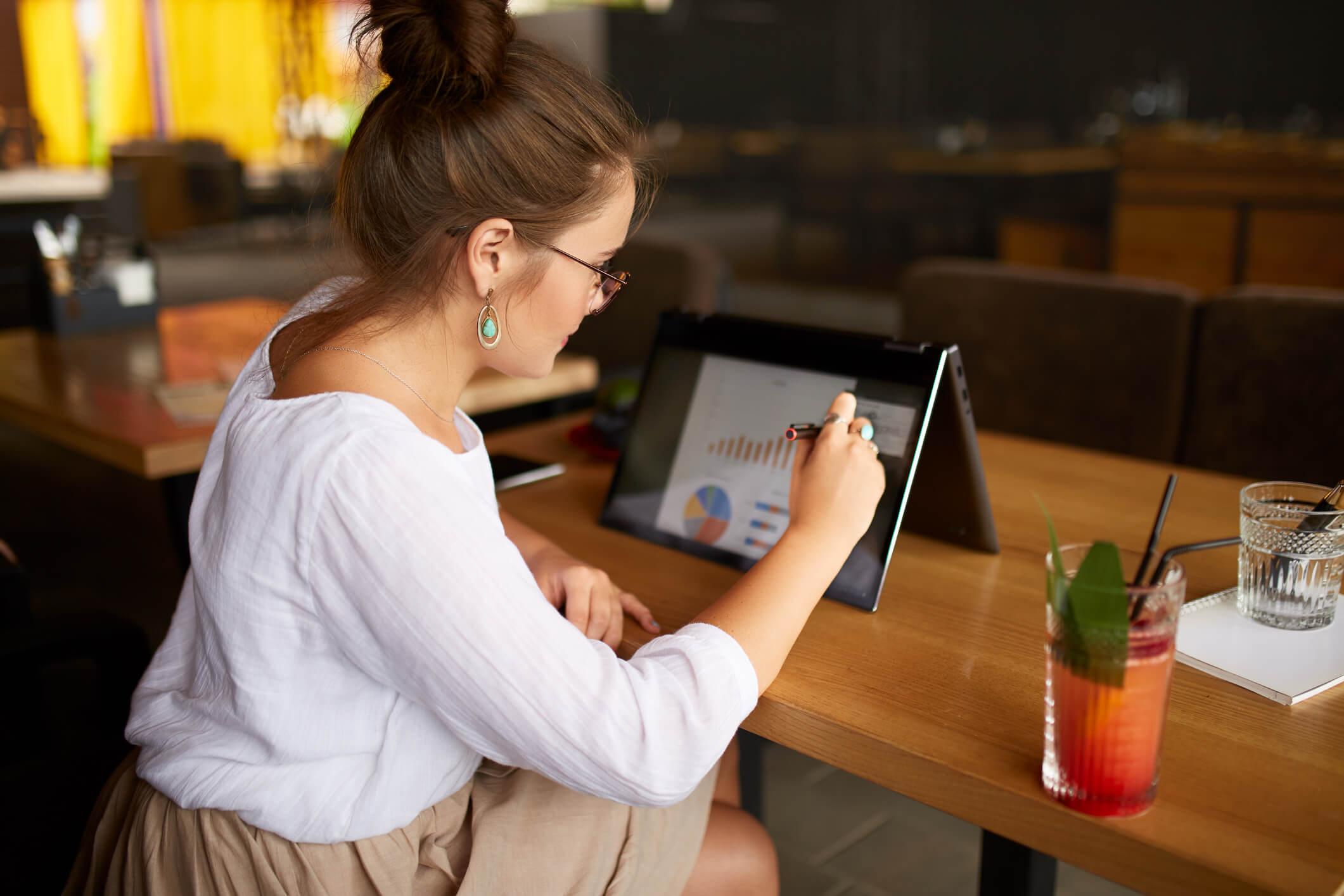 Notebook 2 em 1 com melhor custo beneficio: 6 pontos sobre o tema!