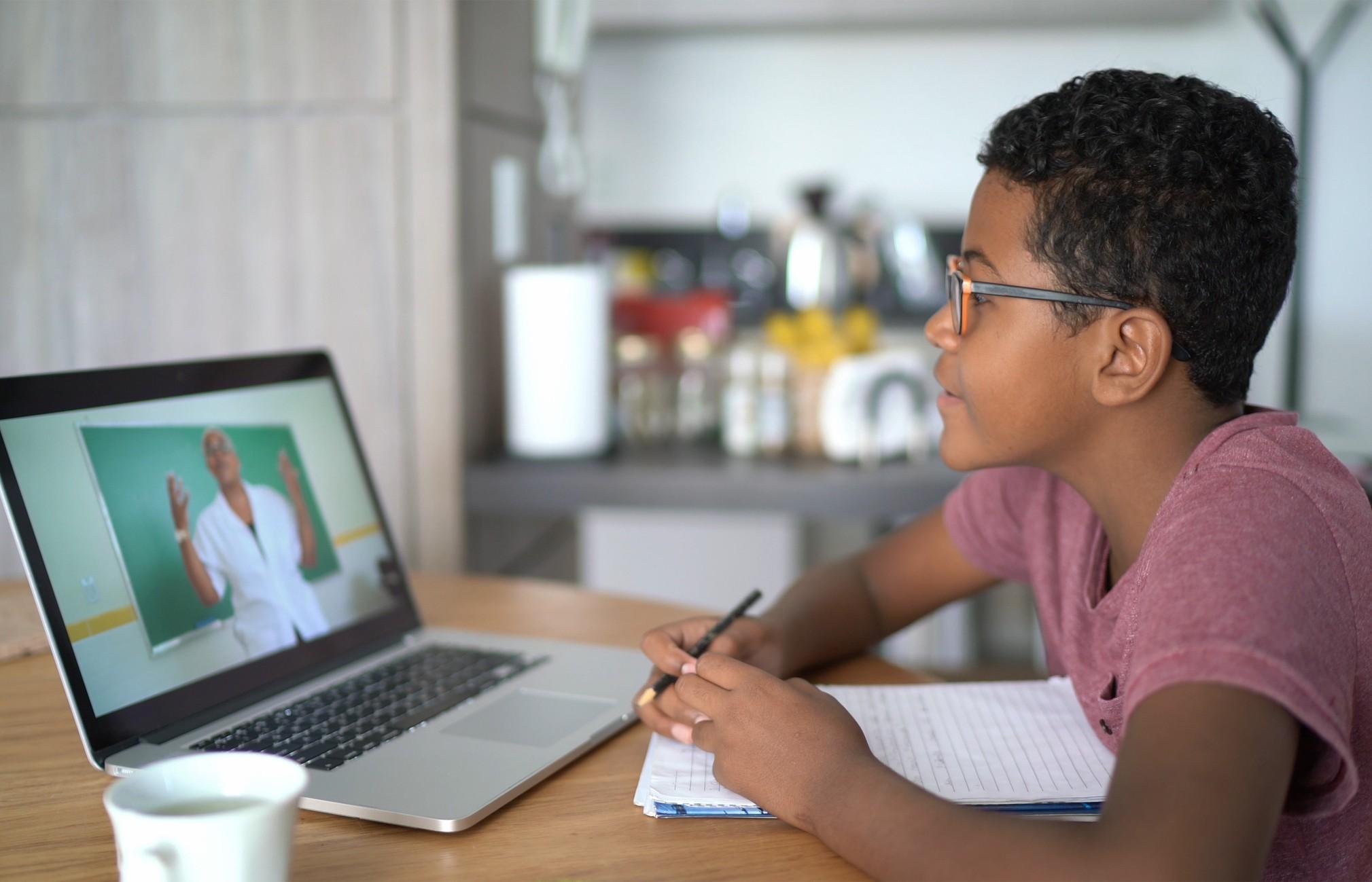 Transformação Digital na Educação: como a tecnologia está mudando o ensino e as instituições